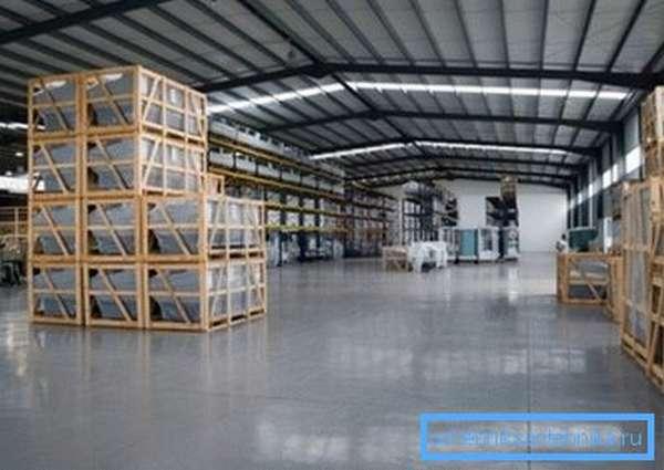 Складские помещения нуждаются в отоплении не меньше чем производственные