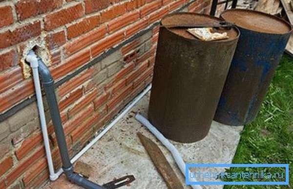 Слив из водопровода на даче