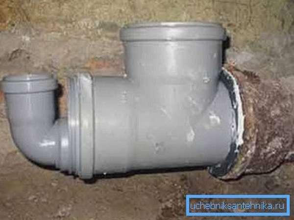 Соединение чугунной и пластиковой трубы