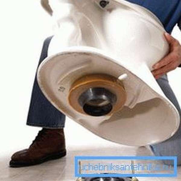 Способ монтажа зависит от модели унитаза и места расположения канализационной трубы