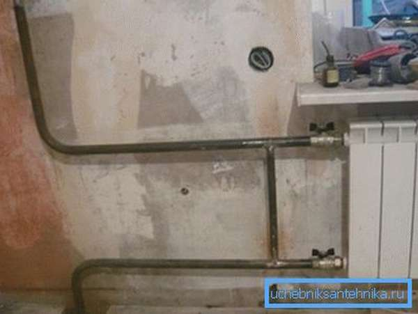 Стальная подводка к радиатору отопления