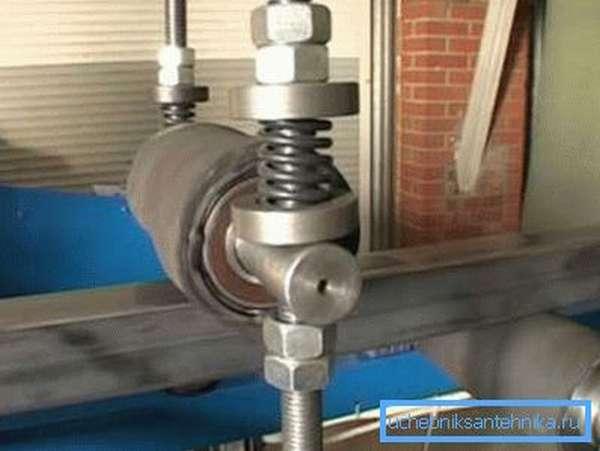 Станок для зачистки профильной трубы из металла