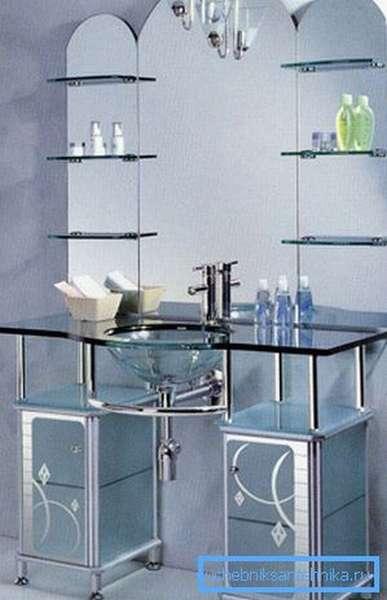 Стеклянный ванный набор.