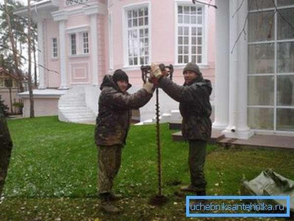Строительство водозаборной скважины на приусадебном участке