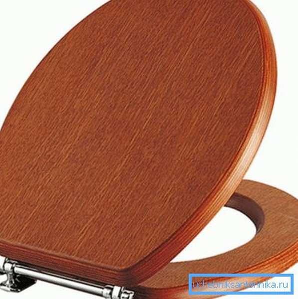 Стульчак из дерева - красиво, но не практично