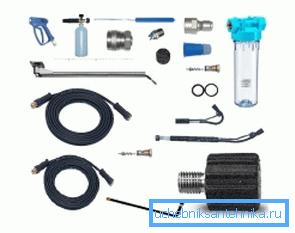 Существует просто огромное количество различных элементов, которые используются при монтаже водопроводных систем на мойке и которые можно отнести к разряду аксессуаров