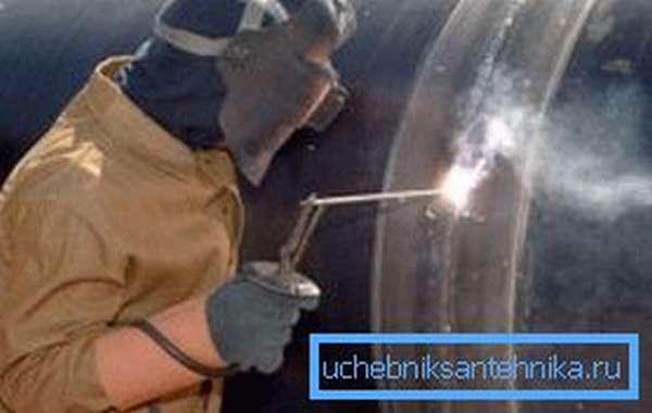 Сварка газовой трубы высокого давления
