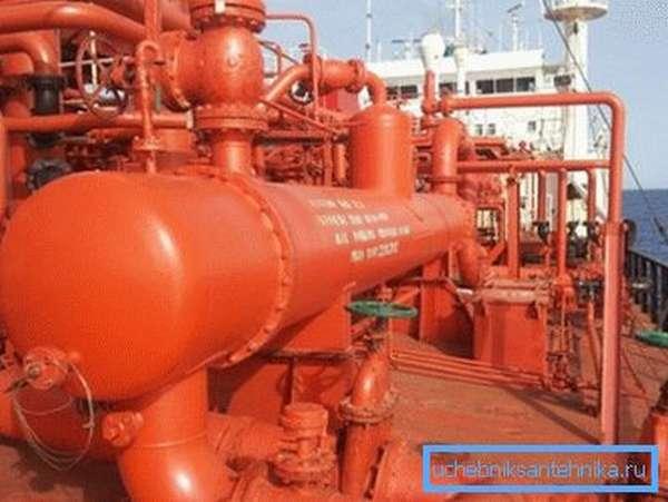 Сжиженный газ на танкере.