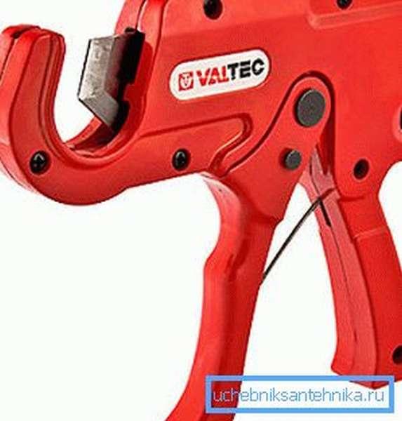 Труборез для металлопластиковых труб типа ножниц