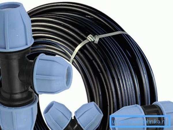 Трубы для летнего водопровода ПНД с компрессионными фитингами