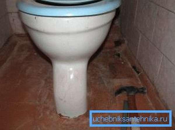 У многих в туалете до сих пор стоят унитазы, произведенные в Советском Союзе