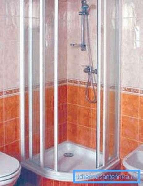Угловая стоячая ванна для душа