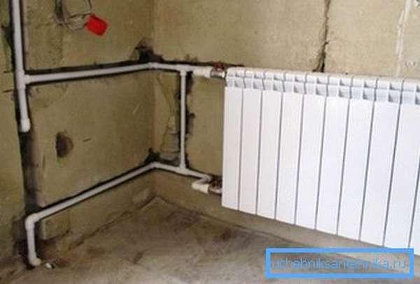 Укладка трубопровода в стену