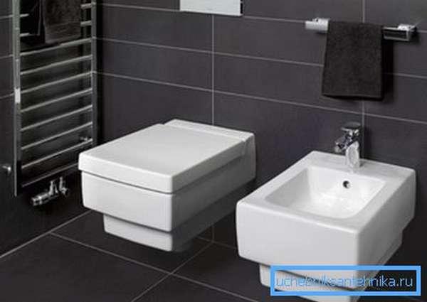 Унитаз, закрепленный на стене,поможет создать изысканный интерьер в вашей уборной