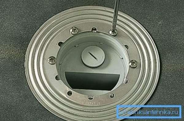 Установка металлического кольца