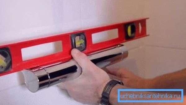 Установка устройства на стену