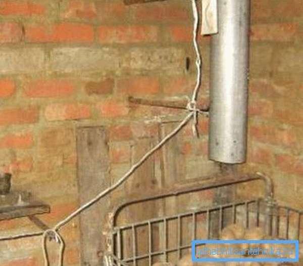 Устройство вентиляции сводится к монтажу 2-х труб
