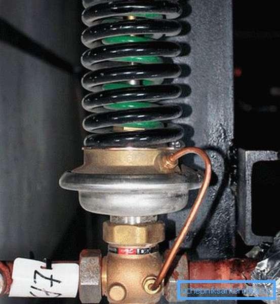 В подвале установлен регулятор давления
