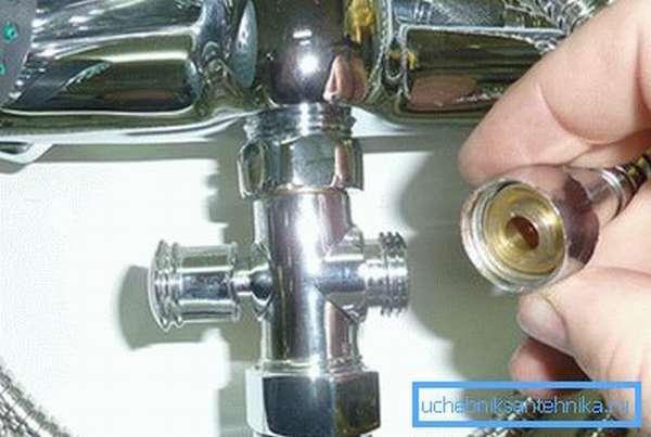 Ванный смеситель можно ремонтировать и самостоятельно.