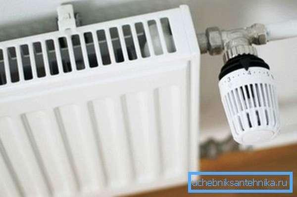 Важно выполнить нормы установки радиаторов отопления.