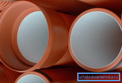 Внутренняя поверхность пластиковых изделий не зарастает минеральными отложениями
