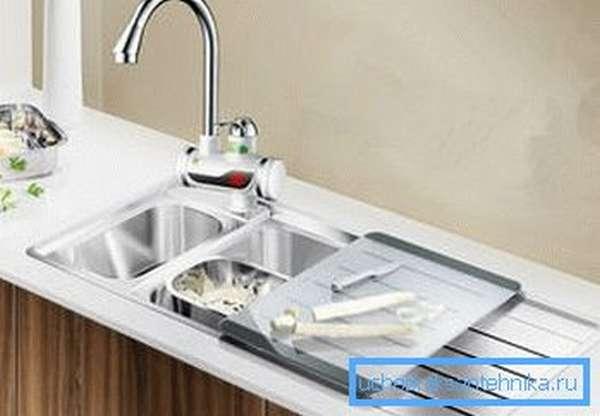 Водонагреватель смеситель и кран для кухни