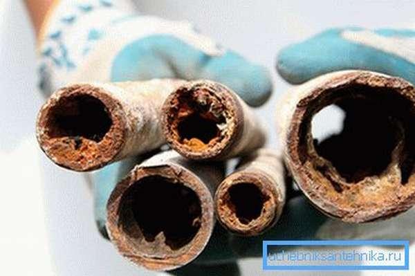 Воздействие централизованной системы на внутреннюю поверхность труб