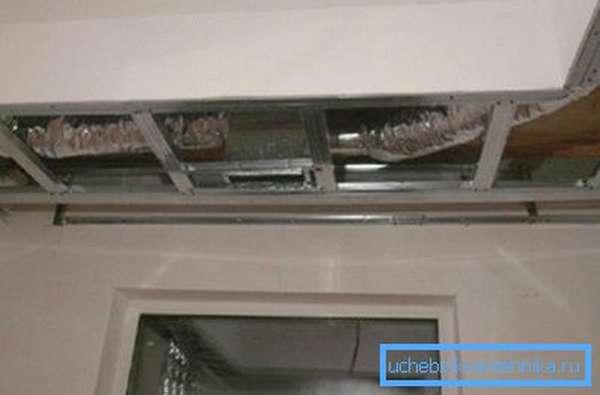 Воздушный канал над подвесным потолком