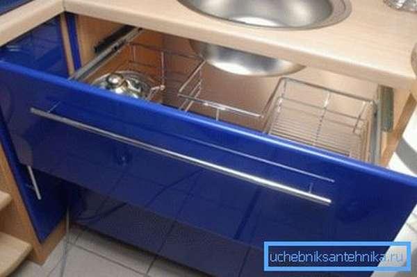 Врезная мойка со шкафом для кухни