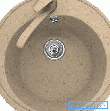 Врезная раковина из керамогранита.
