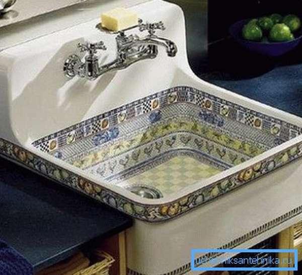 Встраиваемая кухонная раковина