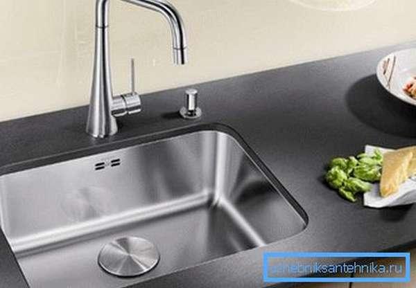 Встроенные мойки для кухни – это стильно и оригинально.