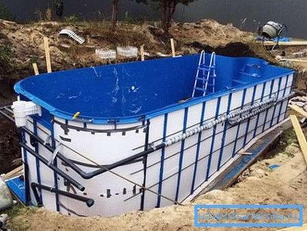 Встроенный каркасный бассейн