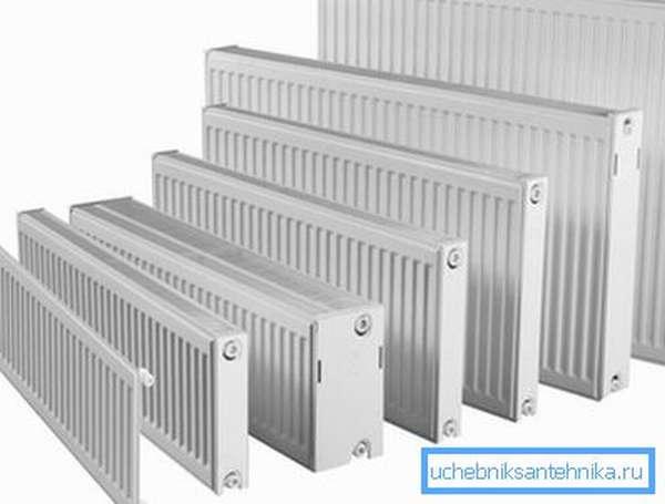 Высота и толщина стальных батарей изменяется в широком диапазоне