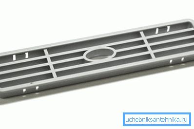 Вытянутая прямоугольная решётка для подвального помещения