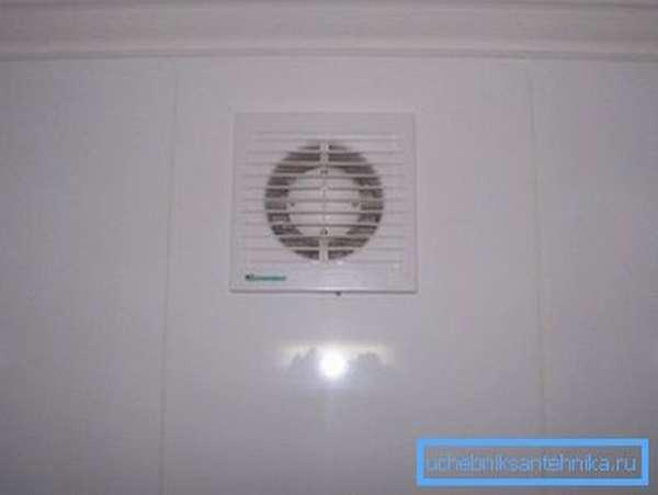 Вытяжное отверстие с вентилятором