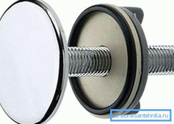 Заглушка на раковину под смеситель предотвратит протечки воды через монтажное отверстие в ней.