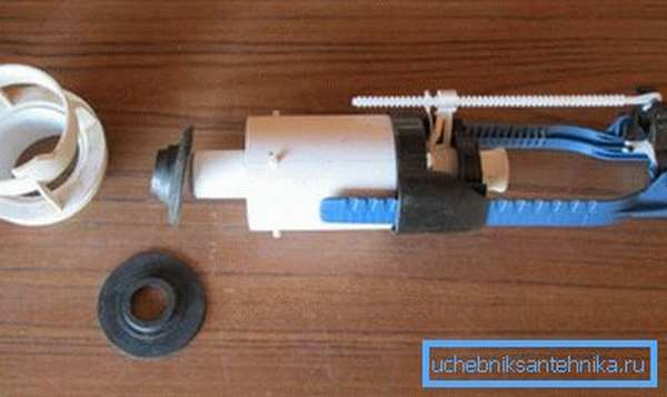 Замена прокладки на современном сливном клапане.