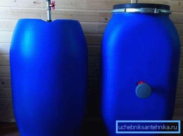 Заводская пластиковая бочка 100 литров с краном сбоку – отличное решение для самодельного душа