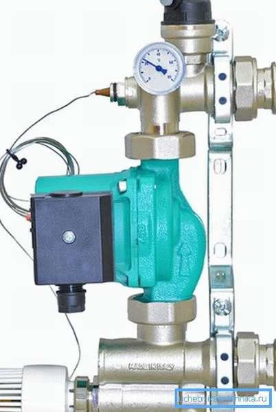 Заводской насосно-смесительный модуль итальянского производства.