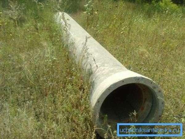 Железобетонная конструкция для канализационного коллектора.