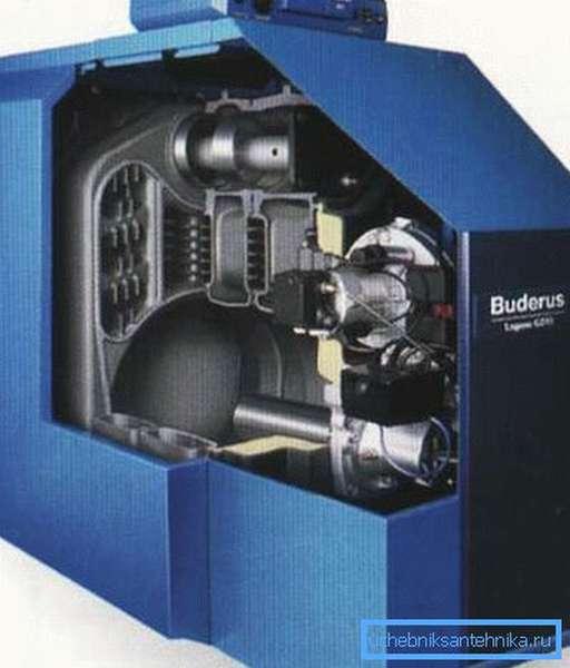 Жидкотопливный котел не требует периодической закладки топлива в камеру сгорания